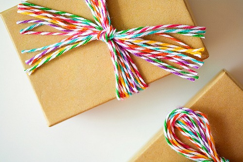 diy gift wrap add simple ribbon 031